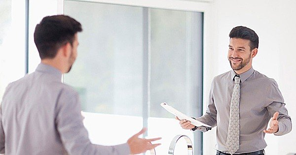 Зеркало для лидера: почему так важно взглянуть на себя со стороны