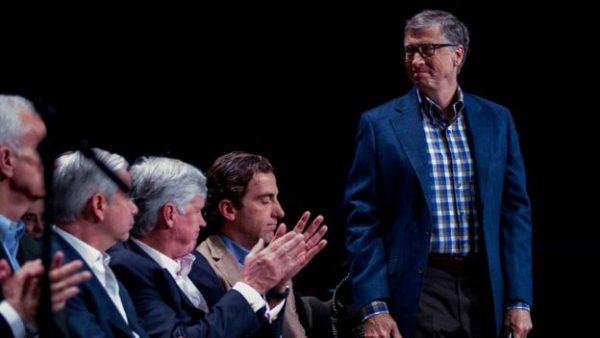 Image copyrightGETTY IMAGES Билл Гейтс, известный своей раздражительностью, пожертвовал на благотворительность 28 миллиардов долларов