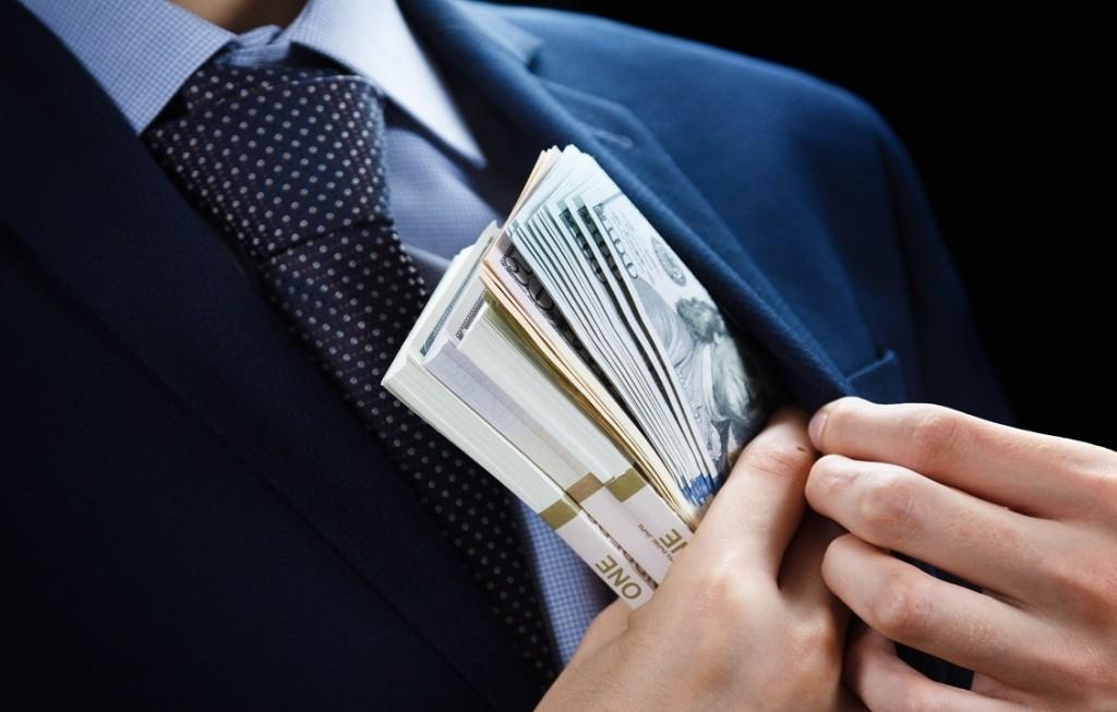 Как наёмные топ-менеджеры обворовывают свои компании